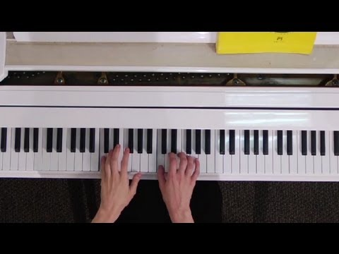 How to Place Your Fingers on a Piano : Tips on Playing the Piano