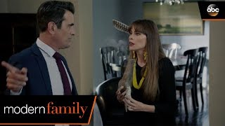 Laughter Makes the Spirits Angry - Modern Family