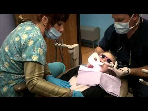 Katie gets her teeth pulled and she is only 6 years old! DON'T BE AFRAID OF THE DENTIST!!