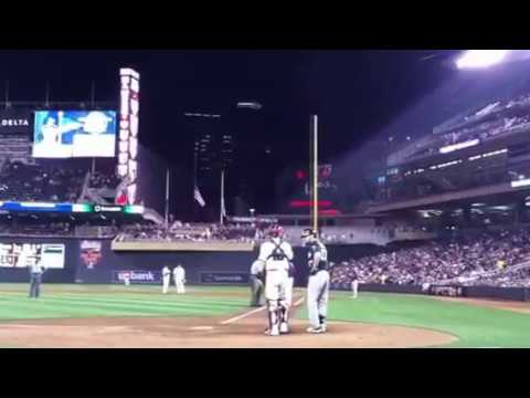 Ron Gardenhire Gets Tossed Out of the Twins Game!