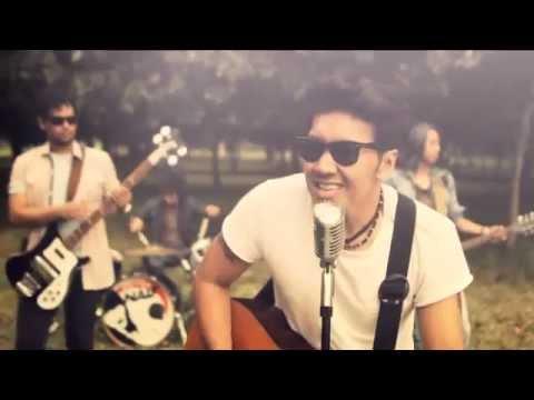 Download NAIF - Karena Kamu Cuma Satu (Official  Music Video) MP3 Gratis