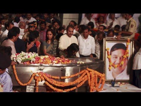 Bollywood Celebs Mourn R.R. Patil's Demise