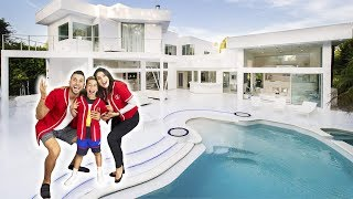 THE ROYALTY FAMILY OFFICIAL HOUSE TOUR!!!   The Royalty Family