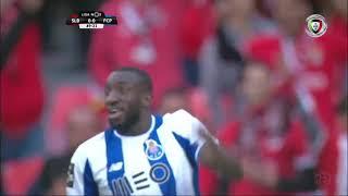 Golo anulado a Otávio, por fora de jogo de Marega (Benfica - FC Porto)