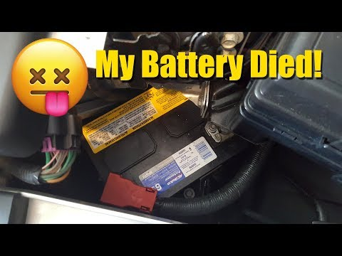 Changing the battery in a Saturn Sky - Pontiac Solstice