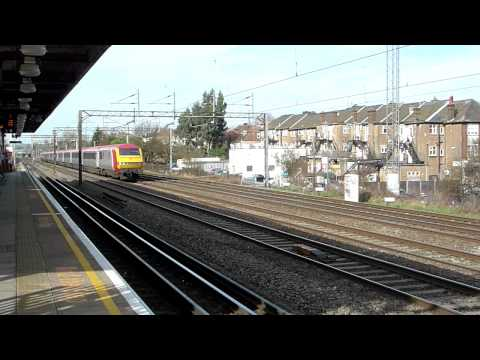 90045, 1B44 Birmingham New Street - London Euston, South Kenton, 24/02/11