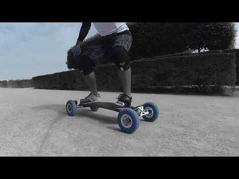 VISITING PARIS WITH MY ELECTRIC SKATEBOARD - NOTRE DAME / LE LOUVRE