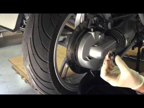 Final drive & Transmission oil change K1200 RS