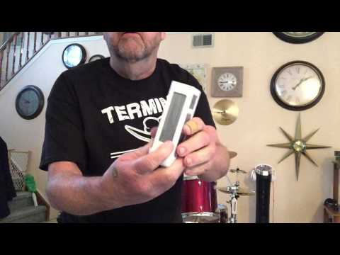 Removing a battery from a DJI Phantom 2 or 3