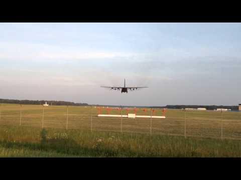 SBY Airport C-130 Landing RWY 14