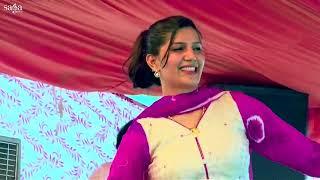 Sapna ne sari had kar di par / New sapna dance 2017 ! Hot stage pr desi stunt by SAPNA