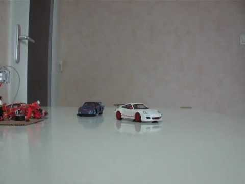 Porsche 935 moving with magnets
