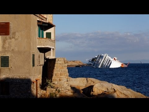 Rescuers detonate charges on Italian ship wreck