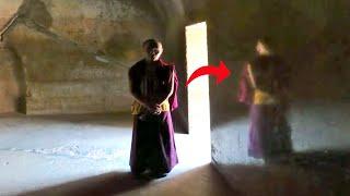 इजिप्त के पिरामिड से भी रहस्यमयी है भारत की ये गुफा  Cave Which Is More Mysterious Than Pyramid !