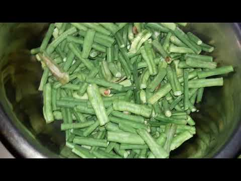 How to Cut Bean | How do you prep green beans | How to Quickly Trim a Big Pile of Beans