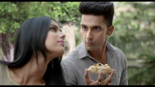 Nia Sharma confronts Ravi Dubey for eating junk food...
