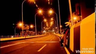 Menikmati jalan malam di fly over palur sambil wheelie