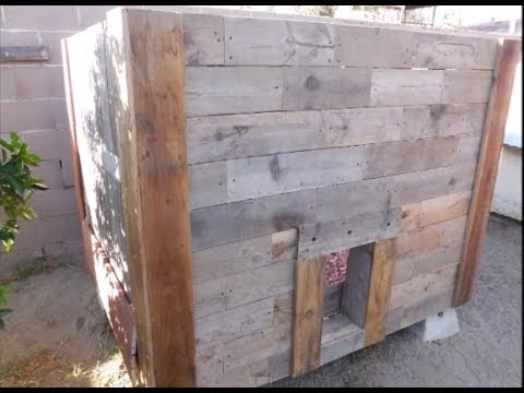 Chicken Coop build from wood pallets only