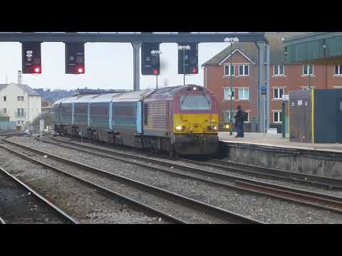 Cardiff Central trains freight and Hitachi 800 March 22nd 2018