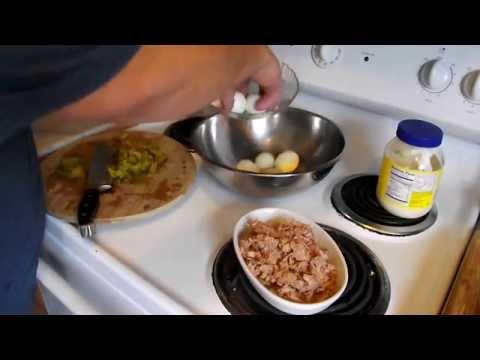 HOW TO MAKE TUNA FISH SALAD - FAST & EASY RECIPE