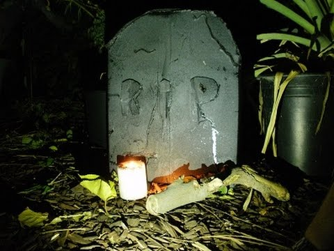 Making a Halloween Tombstone From a Cardboard Box - by Ironhunt