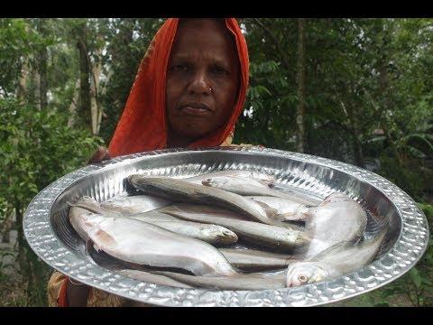 Village food Clown knife fish curry recipe | Foli macher jhol ranna