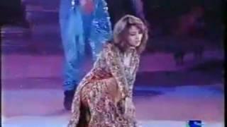 Madhuri Dixit Live Dance on Filmfare.