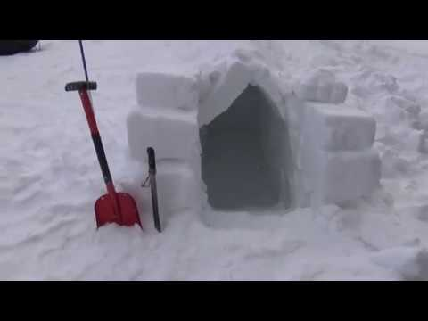 Building an A-frame Snow Shelter on a Winter Walkabout