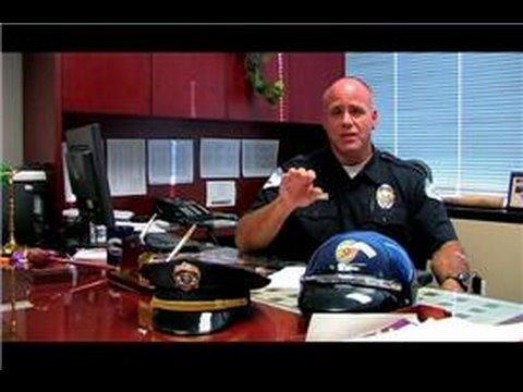 Police Jobs : How Does a Radar Gun Work?