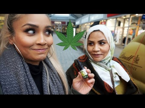 MY MAMA TRIES CANNABIS!