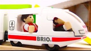 Trenes infantiles - Tractores infantiles - Coches - Animales domesticos para niños