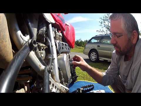 How To: Oil Change Honda XR650, XR650L in 3 minutes