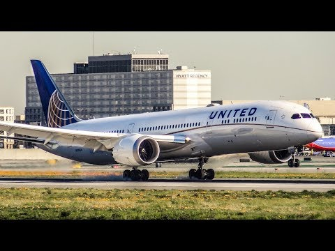 36 LANDINGS IN 20 MINUTES! | PLANE SPOTTING at Los Angeles Airport (LAX) | 2017
