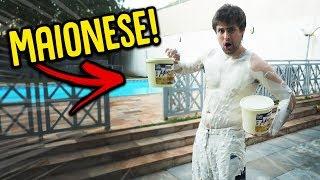 ME COBRIRAM COM MAIONESE E FICOU NOJENTO!! !! [ REZENDE EVIL ]