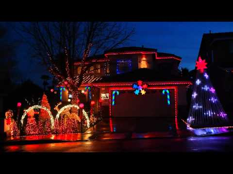 Pentatonix - Carol of the bells - [PTXmas] - Christmas lights 2013 Frostyritz