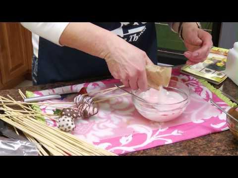 How to Make Chocolate Covered Strawberries | RadaCutlery.com