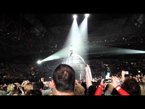 KATY PERRY LIVE - IT TAKES TWO - LG ARENA