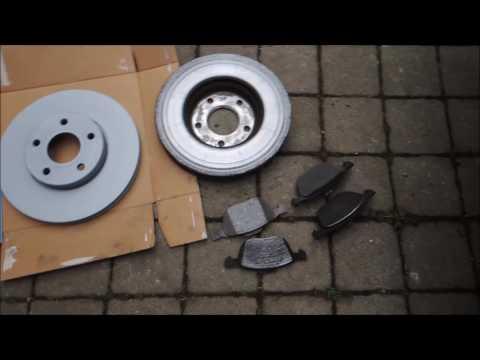 Replacement front brakes Ford Focus MK2 (výměna předních brzd)