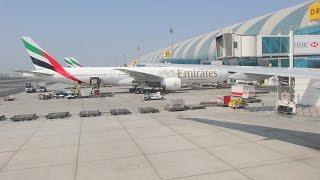 Emirates Airlines - Landing in Dubai International Airport