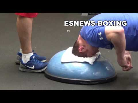 CANELO WORKING ON HIS NECK MUSCLES EsNews Boxing