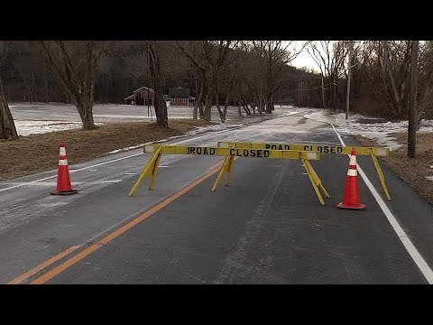 Raw: Ice Jams Cause Conn. Town to Evacuate