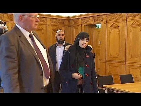 Xxx Mp4 دختران مسلمان در مدارس آلمان باید در یک استخر با پسران شنا کنند 3gp Sex