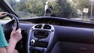 Driving a Citroen Xsara Picasso 1.6 16V