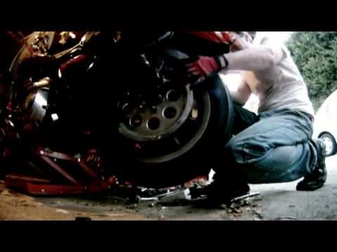 How To Change The Tire On A Harley Davidson Motorcycle