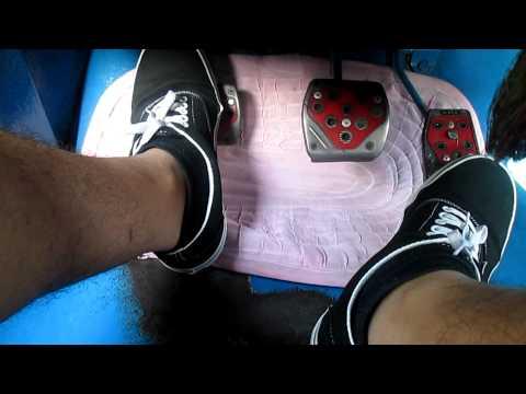 Tutorial for Driving manual car - Moving Forward