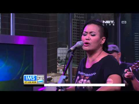 Penampilan Bonita and The Husband menyanyikan lagu Stay With Me - IMS