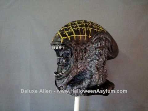 HalloweenAsylum.com Deluxe Alien Mask