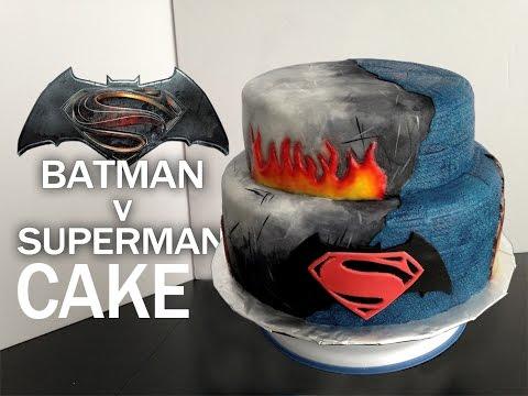 BATMAN V SUPERMAN CAKE! | GÂTEAU ORIGINAL