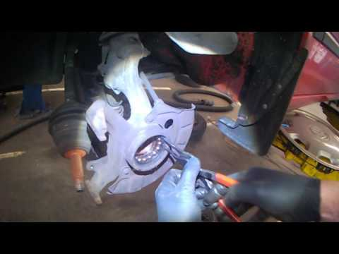 VW A3: Front wheel bearing (removal only)
