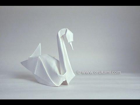 Origami swan by Akira Yoshizawa